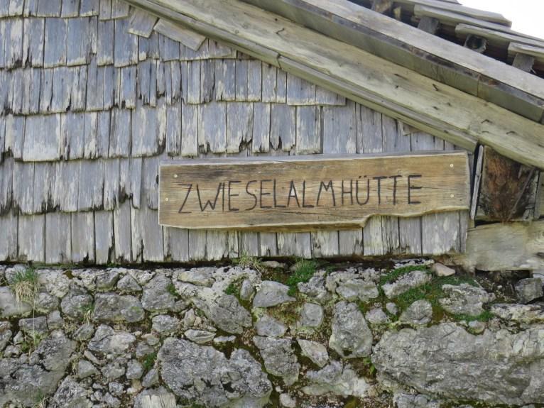 Das Schild auf der Zwieselalmhütte (c)TVB Annaberg-Lungötz