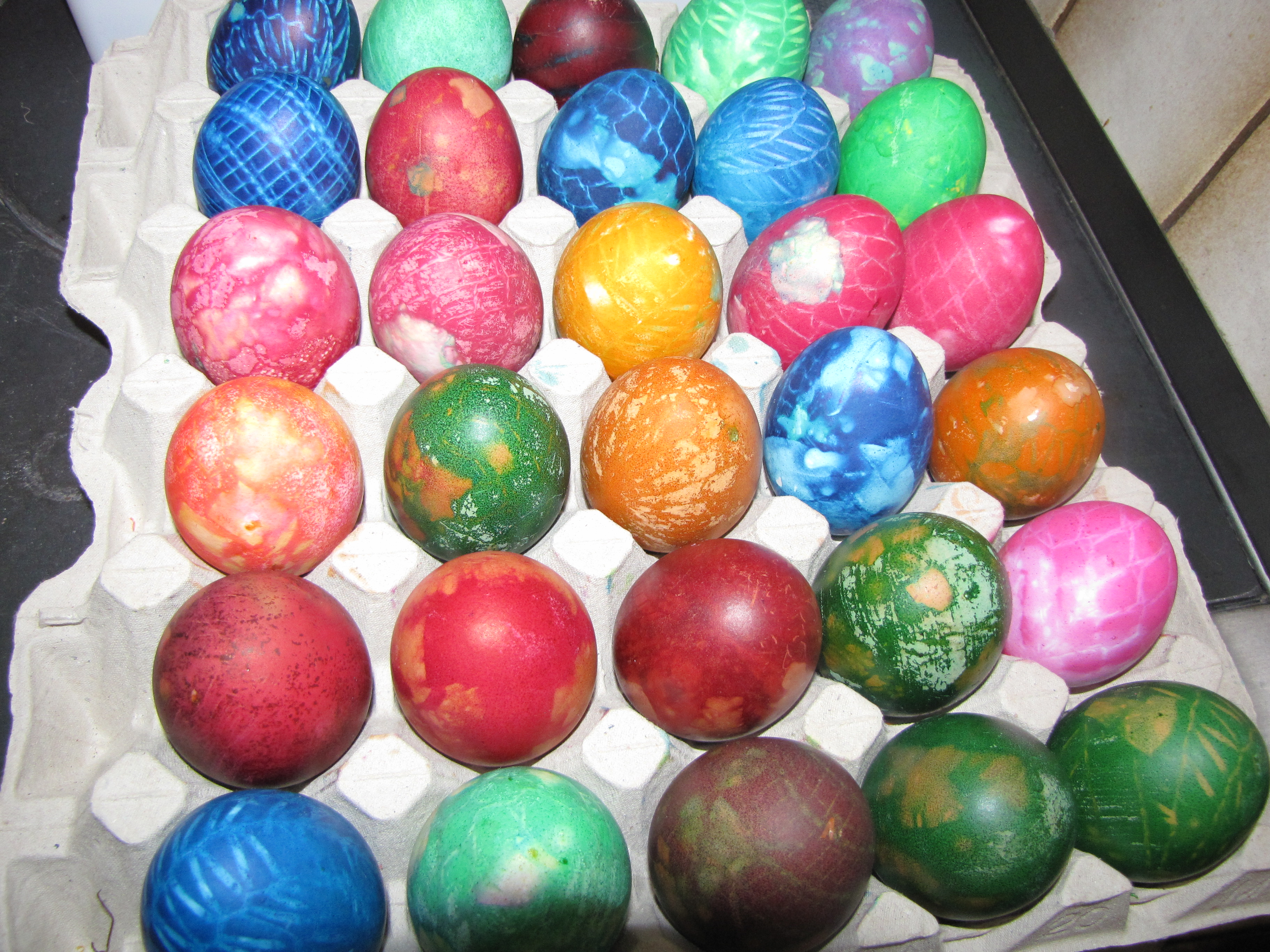 Eier färben am Gründonnerstag - Blog des TVB Annaberg-Lungötz